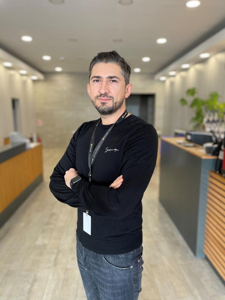 Adrian_Chiruta_Managing_Partner_R22_Romania_si_Fondator_MxHost